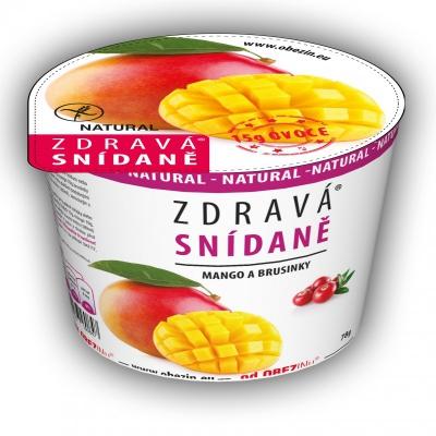 Zdravá snídaně mango a brusinky